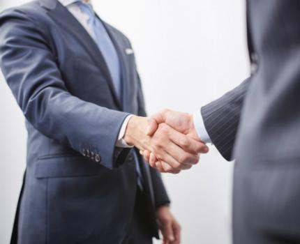 銀行との関係を改善するイメージ